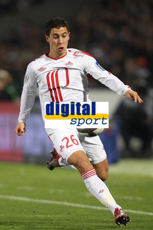 FOOTBALL - FRENCH CHAMPIONSHIP 2010/2011 - L1 - GIRONDINS BORDEAUX v LILLE OSC - 27/11/2010 - PHOTO ERIC BRETAGNON / DPPI - EDEN HAZARD (LOSC)