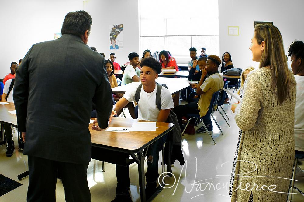 CMS First Day  - Mallard Creek High School  Teacher is Ms Russell, Beginning Visual Arts class