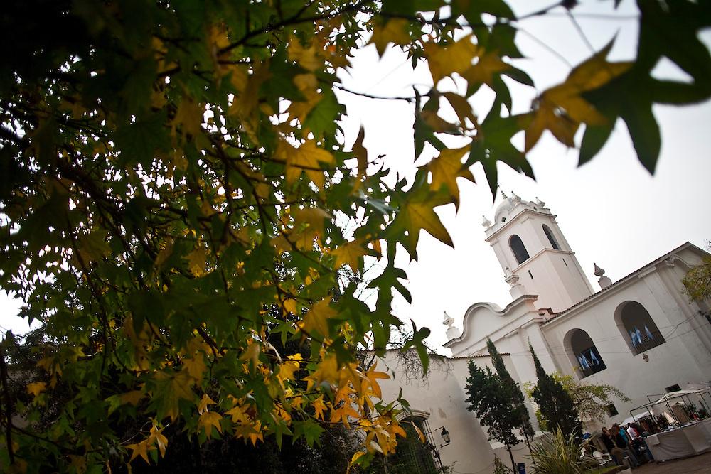 Buenos Aires, Argentina...Igreja Nossa Senhora do Pilar no bairro Ricoleta em Buenos Aires...The Nossa Senhora do Pilar church in the Ricoleta neighborhood...Foto: JOAO MARCOS ROSA / NITRO