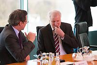 DEU, Deutschland, Germany, Berlin, 21.03.2018: Bundesverkehrsminister Andreas Scheuer (CSU) und Bundesinnenminister Horst Seehofer (CSU) vor Beginn der 2. Kabinettsitzung im Bundeskanzleramt.