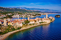 Croatie, baie de Kvarner, Ile et ville de Rab // Croatia, Kvarner bay, island and city of Rab