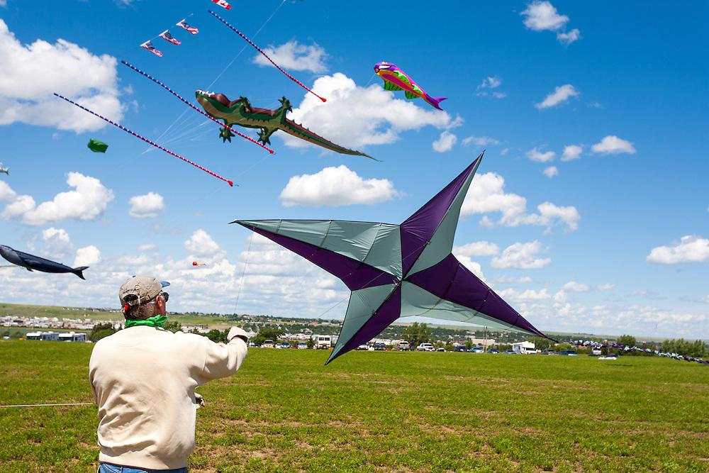 Celebrity flyer Mike Shaw from Bismark, North Kakota. Windscape Kite Festival, Swift Current, Saskatchewan.