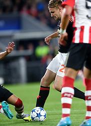 15-09-2015 NED: UEFA CL PSV - Manchester United, Eindhoven<br /> PSV kende een droomstart in de Champions League. De Eindhovenaren waren in eigen huis te sterk voor de miljoenenploeg Manchester United: 2-1 / Het horror moment voor Luke Shaw en het gestrekte been van Hector Moreno
