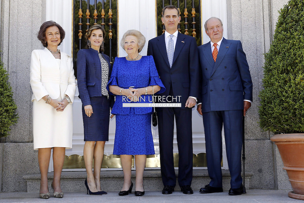 30-05-2016 Palace Queen Letizia and Queen Sofia and Princess Beatrix and King Juan Carlos and King Felipe pose for the media at Zarzuela palace in Madrid. copyright Zarzuela palace pool robin utrecht <br /> 30-05-2016 Palace Queen Letizia en koningin Sofia en prinses Beatrix en koning Juan Carlos en Koning Felipe poseren voor de media bij Zarzuela paleis in Madrid. copyright  Zarzuela paleis pool Robin Utrecht