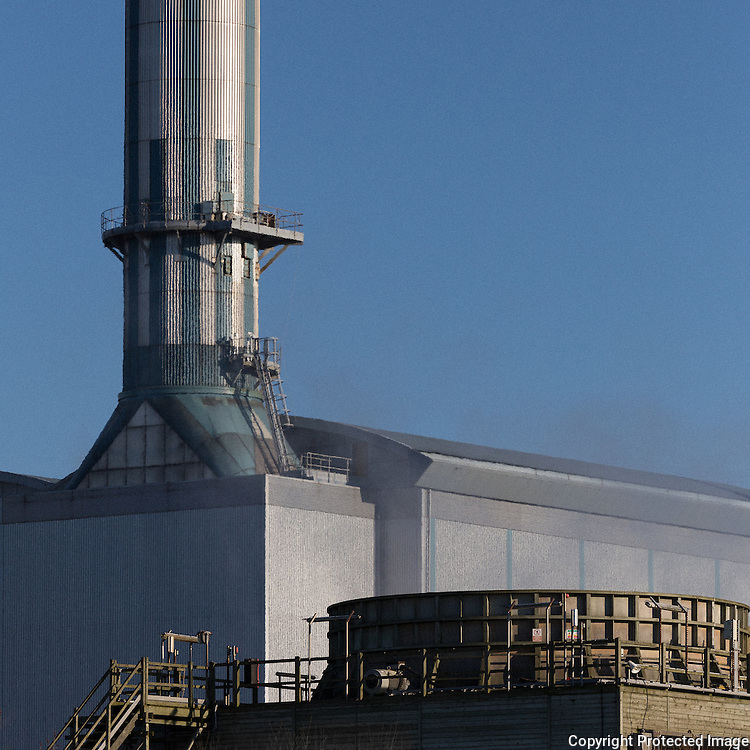 Seabank gas-fired power station, air cooled condenser in foreground with heat recovery steam generator at rear, Avon.