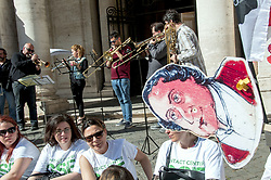 May 4, 2017 - Rome, Italy, Italy - Demonstration at the Capitol of Workers of the Choir and Orchestra of the Opera House of Rome (whose chairman is the mayor of Rome, Virginia Raggi) to protest against the sale of lyric theaters and the risk of outsourcing. (Credit Image: © Patrizia Cortellessa/Pacific Press via ZUMA Wire)