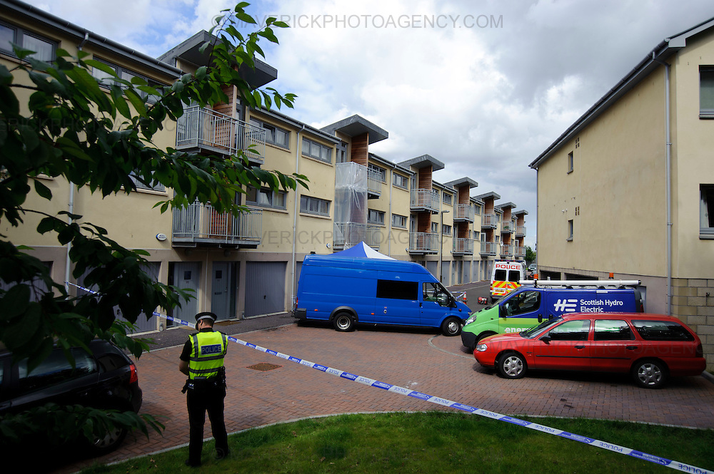 EDINBURGH, UK - 5th August 2010:  Police in Edinburgh are continuing the forensic examination of a flat on Edinburgh's Slateford Road after three children at the centre of a custody battle were discovered dead at the premises.  The grim discovery came after emergency services were called out to the house following reports of a gas explosion just before 3pm yesterday.  (Photograph: Callum Bennetts/MAVERICK)