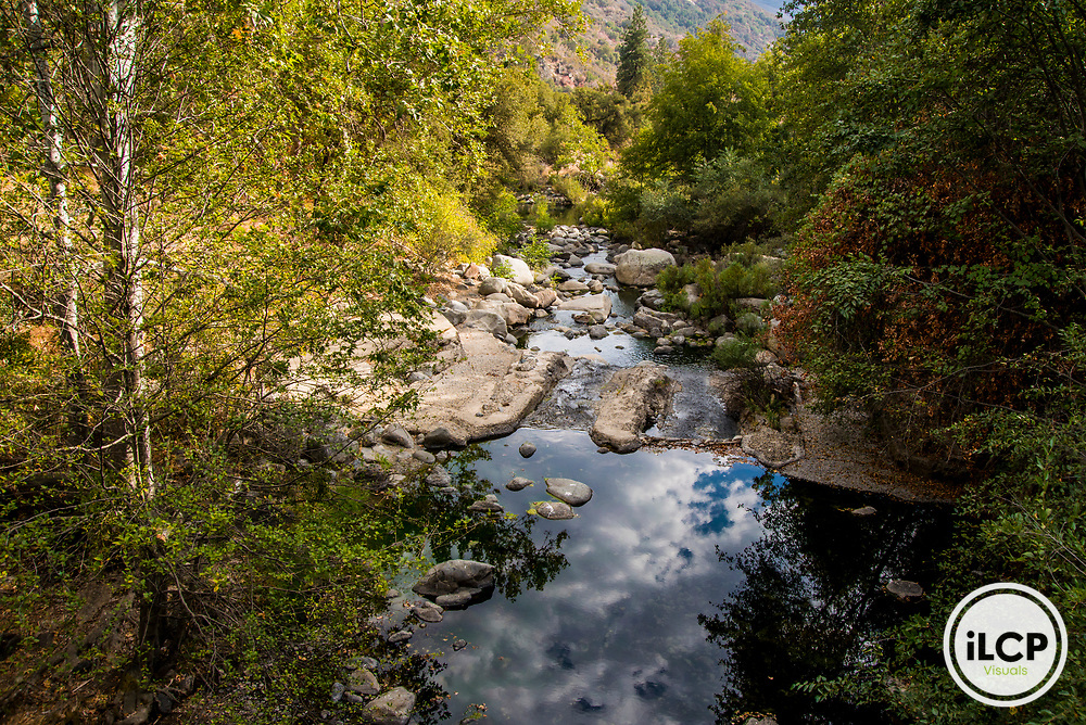 USA California, No Water No Life CA Drought Expedition # 5, Sierra Nevada Mountains, Giant Sequoia National Monument and Sequoia National Forest, Generals Highway to Ash Mountain Entrance, confluence of Marble Fork and Middle Fork of Kaweah River below Potwisha campground