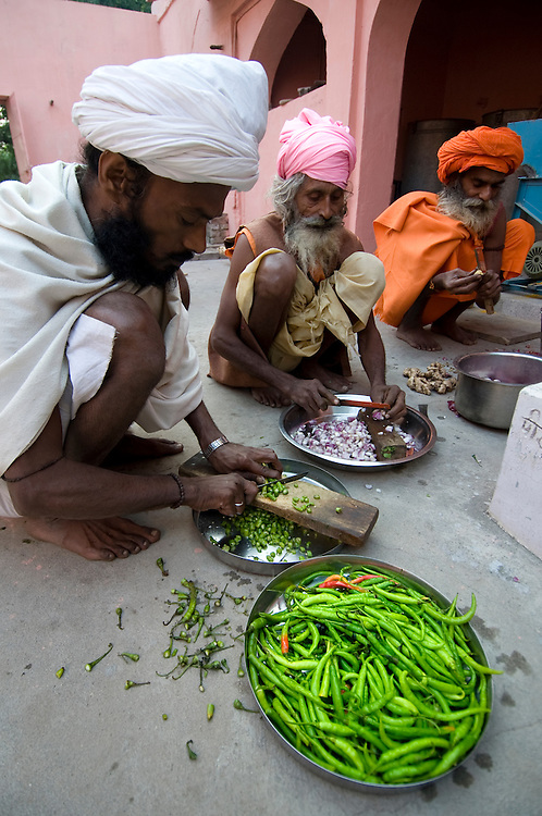 During the famous Pushkar Camel Fair in Rajasthan (India), may holy men (saddhus) visit this ashram dedicated to the god Shiva. The saddhus prepare their food themselves, in shifts. The food is strictly vegetarian.