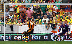 Hull City's Robbie Brady scores the first goal from the penalty spot  - Photo mandatory by-line: Matt Bunn/JMP - Tel: Mobile: 07966 386802 24/08/2013 - SPORT - FOOTBALL - KC Stadium - Hull -  Hull City V Norwich City - Barclays Premier League