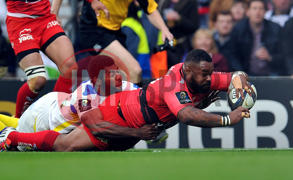 Mathieu Bastareaud of Toulon scores a try in the first half - Photo mandatory by-line: Patrick Khachfe/JMP - Mobile: 07966 386802 02/05/2015 - SPORT - RUGBY UNION - London - Twickenham Stadium - ASM Clermont Auvergne v RC Toulon - European Rugby Champions Cup Final