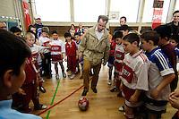 """23 APR 2006, BERLIN/GERMANY:<br /> Franz Muentefering, SPD, Bundesarbeitsminister, spielt Fussball, waehrend dem Besuch des Kiez-Fussballturniers """"Xhain kickt"""", 3. SPD Fussballturnier fuer E-Jugend mit acht Mannschaften aus Friedrichshain-Kreuzberg, Lobeckhalle, Berlin-Kreuzberg<br /> IMAGE: 20060423-01-010<br /> KEYWORDS: Fußball, Jugendliche, Kinder, Amateurfussball, spielen"""