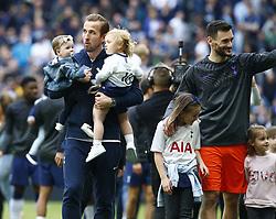 May 12, 2019 - London, England, United Kingdom - Tottenham Hotspur's Harry Kane with his kids.during English Premier League between Tottenham Hotspur and Everton at Tottenham Hotspur Stadium , London, UK on 12 May 2019. (Credit Image: © Action Foto Sport/NurPhoto via ZUMA Press)