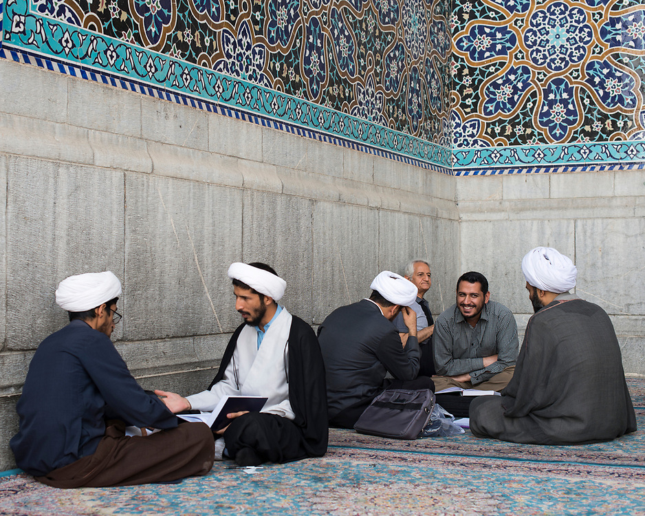 Mullahs in front a mosque