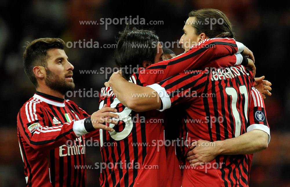 17.12.2011, Stadion Giuseppe Meazza, Mailand, ITA, Serie A, AC Mailand vs AC Siena, 16. Spieltag, im Bild esultanza dopo ilgol di Zlatan IBARHIMOVIC (Milan) goal celebration // during the football match of Italian 'Serie A' league, 16th round, between AC Mailand and AC Siena at Stadium Giuseppe Meazza, Milan, Italy on 2011/12/17. EXPA Pictures © 2011, PhotoCredit: EXPA/ Insidefoto/ Alessandro Sabattini..***** ATTENTION - for AUT, SLO, CRO, SRB, SUI and SWE only *****