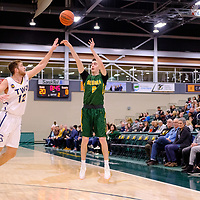 3rd year guard, Benjamin Hillis (8) of the Regina Cougars in action during the Regina Cougars vs Lethbridge on November 3 at University of Regina. Credit Matte Black Photos/©Arthur Images 2018