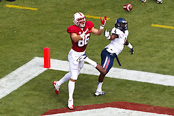 PALO ALTO, CA - OCTOBER 06: Tight end Zach Ertz #86 of the Stanford Cardinal catches a pass in front of safety Patrick Onwuasor #4 of the Arizona Wildcats for a touchdown during the first quarter at Stanford Stadium on October 6, 2012 in Palo Alto, California. The Stanford Cardinal defeated the Arizona Wildcats 54-48 in overtime. (Photo by Jason O. Watson/Getty Images) *** Local Caption *** Zach Ertz; Patrick Onwuasor