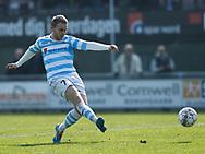 FODBOLD: Anders Holst (FC Helsingør) skyder på mål under kampen i NordicBet Ligaen mellem FC Helsingør og FC Roskilde den 9. april 2017 på Helsingør Stadion. Foto: Claus Birch