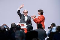 06 DEC 2019, BERLIN/GERMANY:<br /> Norbert Walter-Borjans (R), SPD Parteivorsitzender, und Saskia Esken (L), MdB, SPD Parteivorsitzende, nach ihrer Wahl zu Parteivorsitzenden, SPD Bundesprateitag, CityCube<br /> IMAGE: 20191206-01-076<br /> KEYYWORDS: Party Congress, Parteitag, klatschen, applaudieren, Applaus