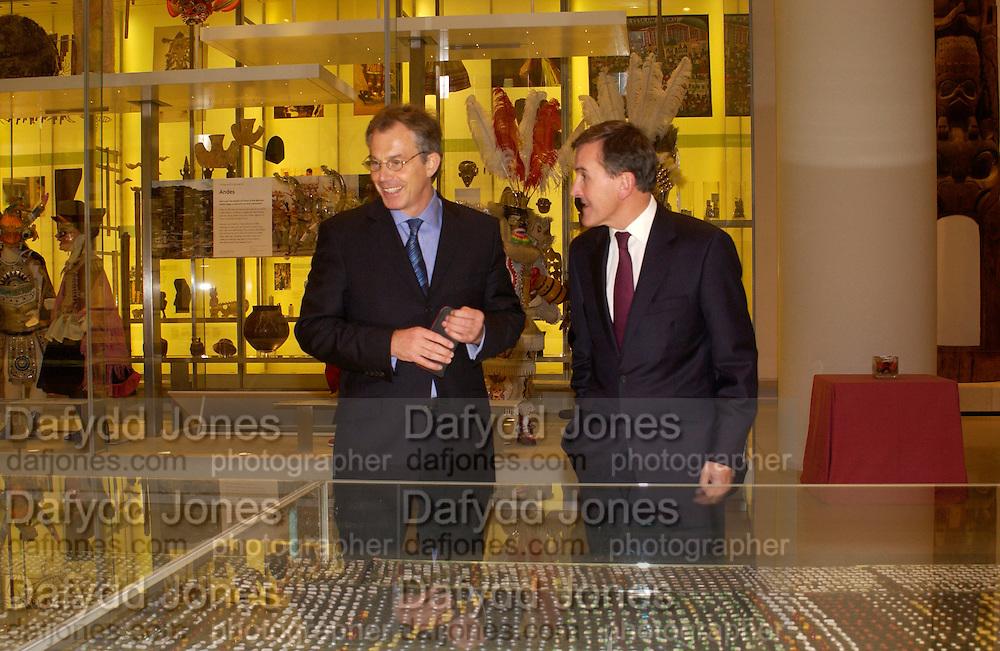 Tony Blair and Neil MacGregor, British Museum 250th Anniversary party, 15 December 2003. © Copyright Photograph by Dafydd Jones 66 Stockwell Park Rd. London SW9 0DA Tel 020 7733 0108 www.dafjones.com