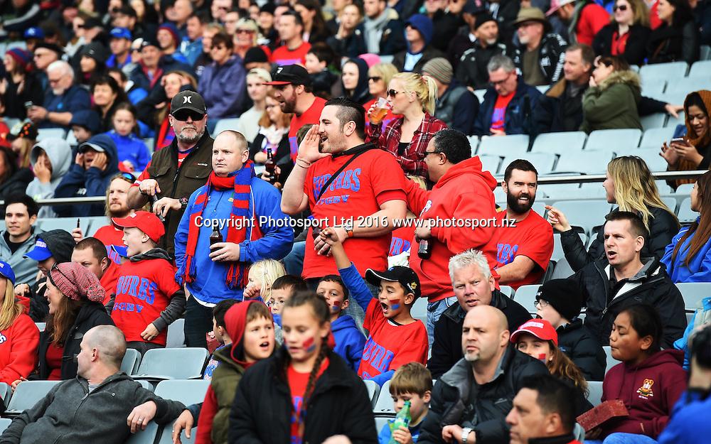 Suburbs fans.<br /> Grammar TEC v Suburbs, Auckland Premier Club Rugby. Gallaher Shield Final. Eden Park, Auckland, New Zealand. Saturday 30 July 2016. &copy; Copyright Photo: Andrew Cornaga / www.Photosport.nz