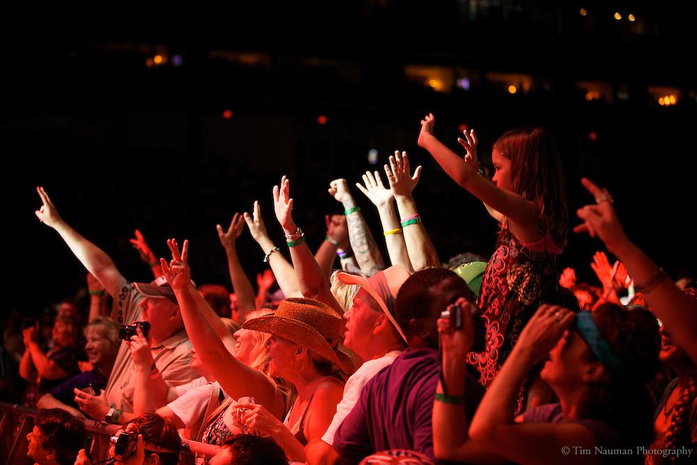 fans at Farm Aid 2011