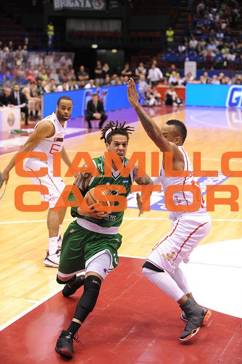 DESCRIZIONE : Milano Lega A 2012-13 Play Off Quarti di Finale Gara2 EA7 Olimpia Armani Milano Montepaschi Siena<br /> GIOCATORE : Daniel Hackett<br /> CATEGORIA : penetrazione<br /> SQUADRA : EA7 Olimpia Armani Milano Montepaschi Siena<br /> EVENTO : Campionato Lega A 2012-2013 Play Off Quarti di Finale Gara2<br /> GARA : EA7 Olimpia Armani Milano Montepaschi Siena<br /> DATA : 12/05/2013<br /> SPORT : Pallacanestro<br /> AUTORE : Agenzia Ciamillo-Castoria/M.Marchi<br /> Galleria : Lega Basket A 2012-2013<br /> Fotonotizia : Milano Lega A 2012-13 EA7 Olimpia Armani Milano Montepaschi Siena<br /> Predefinita :