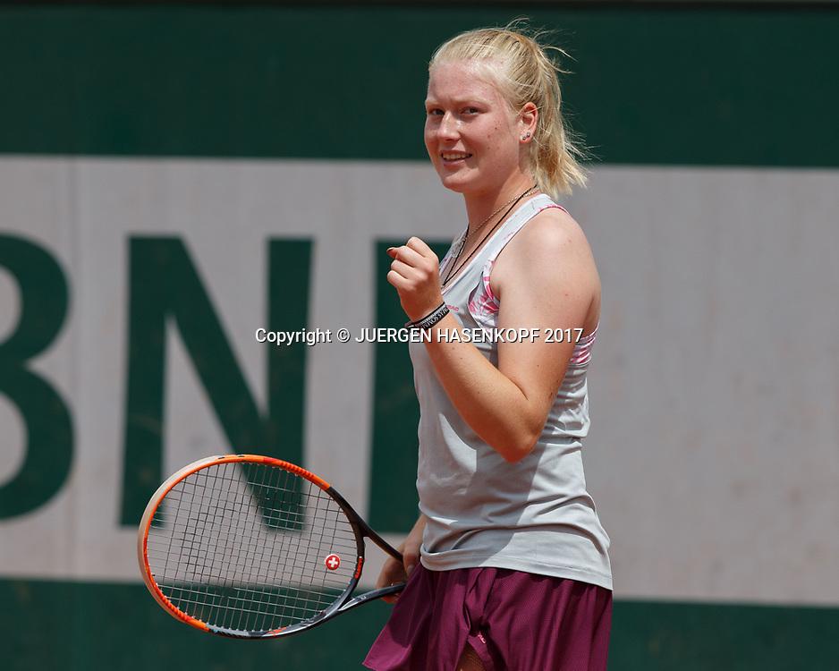 LARA SCHMIDT (GER)macht die Faust und jubelt,Jubel,Emotion, Junior Girls<br /> <br /> Tennis - French Open 2017 - Grand Slam / ATP / WTA / ITF -  Roland Garros - Paris -  - France  - 4 June 2017.