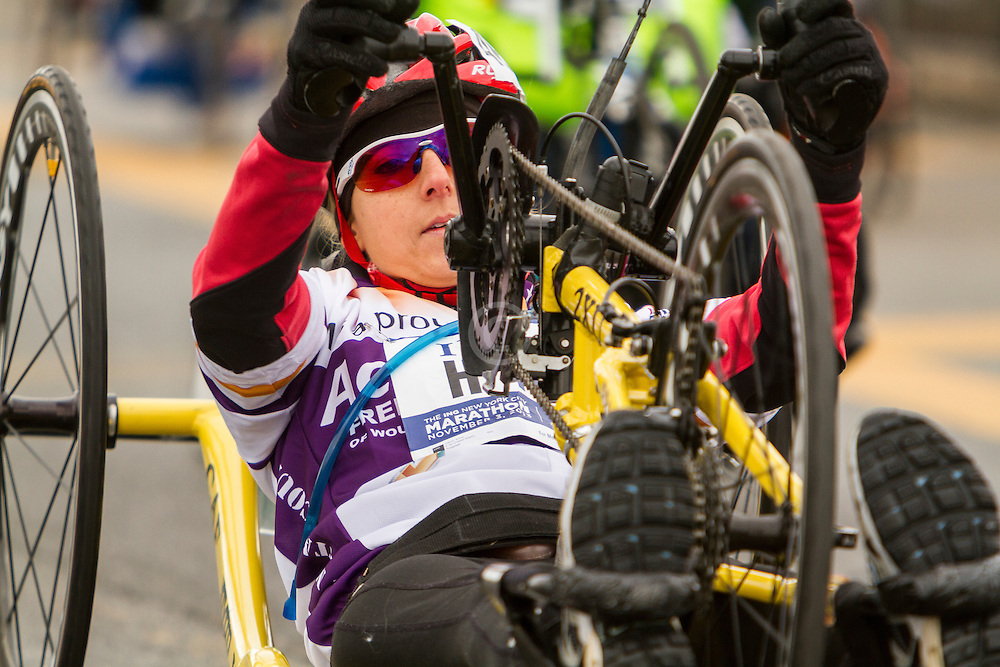 ING New York CIty Marathon: hand-crank wheelchair athletes start race