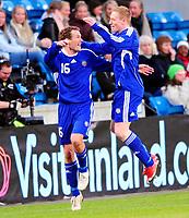 Fotball Privat Landskamp 01.04.2009<br /> Ullevaal Stadium <br /> Norge vs Finland<br /> Norway vs Soumi<br /> <br /> Result  <br /> <br /> Foto: Jarl Robert Christensen Digitalsport<br /> <br /> Finland Soumi målscorer Jonatan Johansson jubler og gratuleres