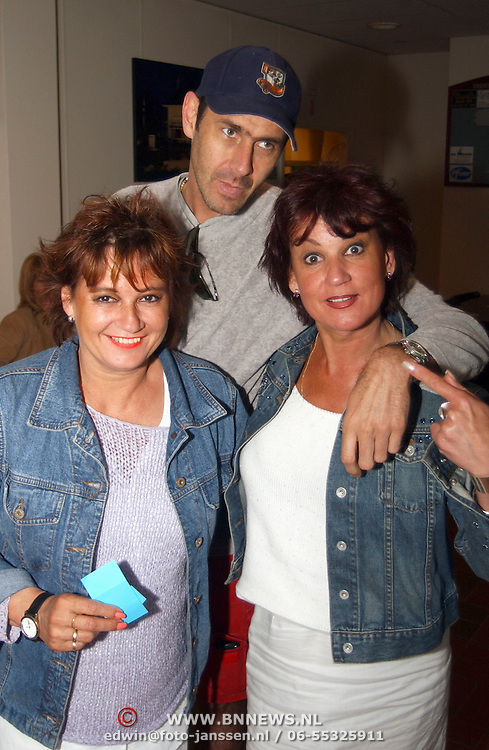 Deurzakkers tennistoernooi, DJ Sven en Jose Hoebee met zus