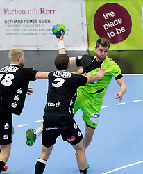 12.11.2016, BSFZ Suedstadt, Maria Enzersdorf, AUT, HLA, SG INSIGNIS Handball WESTWIEN vs Sparkasse Schwaz HANDBALL TIROL, Grunddurchgang, 12. Runde, im Bild Anton Prakapenia (Sparkasse Schwaz HANDBALL TIROL), Thomas Kandolf (Sparkasse Schwaz HANDBALL TIROL), Simon Pratschner (WestWien) // during Handball League Austria, 12 th round match between SG INSIGNIS Handball WESTWIEN and Sparkasse Schwaz HANDBALL TIROL at the BSFZ Suedstadt, Maria Enzersdorf, Austria on 2016/11/12, EXPA Pictures © 2016, PhotoCredit: EXPA/ Sebastian Pucher
