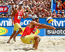 07.08.2011, Klagenfurt, Strandbad, AUT, Beachvolleyball World Tour Grand Slam 2011, im Bild Todd Rogers und Phil Dalhausser (USA), EXPA Pictures © 2011, PhotoCredit: EXPA/ Erwin Scheriau