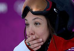 09-02-2014 SNOWBOARDEN: OLYMPIC GAMES: SOTSJI<br /> Op het Rosa Khutor Extreme Park werden de halve finale Slopestyle gereden / Jenna Blasman CAN<br /> ©2014-FotoHoogendoorn.nl<br />  / Sportida