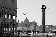 Italy. Venice. the ducal palace, the columns of the Piazzetta San Marco in the ditance San giorgio MAGGIORE church on the island in the lagoon   / le palais des doges, palais ducal et les colonnes de la Piazzetta , au loin l'eglise San Giorgio MAGGIORE sur l'ile de la lagune  Venise - Italie