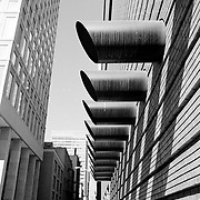Side architecture of the MOMA, downtown San Francisco
