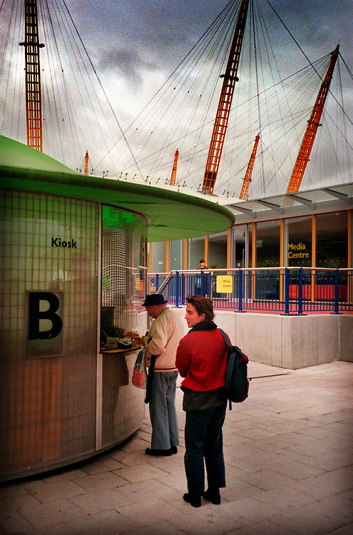 TICKET QUEUE AT THE DOME 2.10.00 BY NEVILLE ELDER