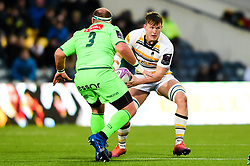 Ted Hill of Worcester Warriors is marked by Lourens Adriaanse of Pau - Mandatory by-line: Ryan Hiscott/JMP - 15/12/2018 - RUGBY - Sixways Stadium - Worcester, England - Worcester Warriors v Pau - European Rugby Challenge Cup