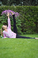 lauren kate yoga photos treat yourself to yoga with lauren in auckland new zealand