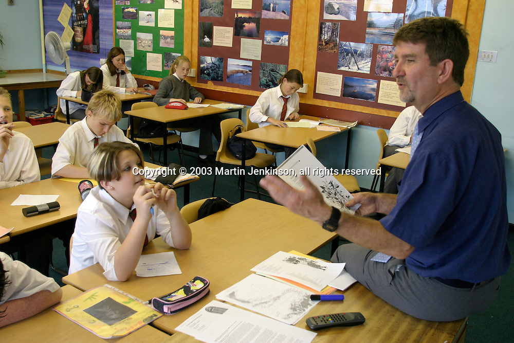 Barry Day teaching year 9 students, Newman School Carlisle....© Martin Jenkinson, tel 0114 258 6808 mobile 07831 189363 email martin@pressphotos.co.uk. Copyright Designs & Patents Act 1988, moral rights asserted credit required. No part of this photo to be stored, reproduced, manipulated or transmitted to third parties by any means without prior written permission