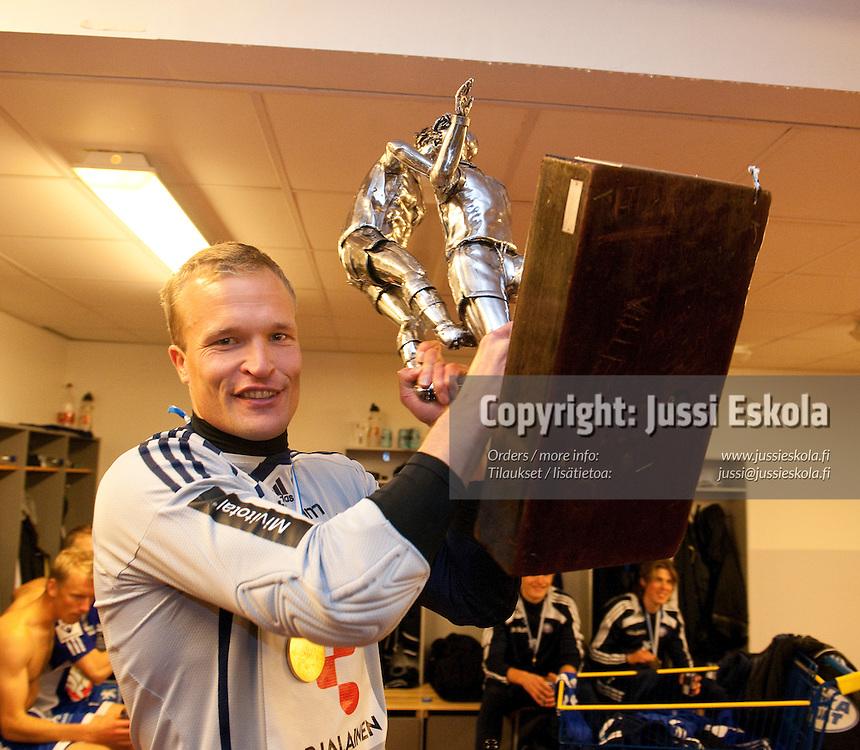 Jani Viander.  HJK - Jaro. Veikkausliiga, Helsinki 17.10.2009. Photo: Jussi Eskola