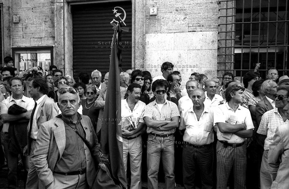 Roma  Settembre 1990.Piazza Montecitorio .I funerali di Giancarlo Pajetta  dirigente del Partito Comunista Italiano.The funeral of Giancarlo Pajetta