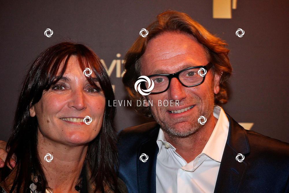 AMSTERDAM - In theater Carre is de Gouden Televizier Ring gala weer geweest.  Met op de foto Eric van Tijn en zijn partner Teruska Bollen. FOTO LEVIN DEN BOER - PERSFOTO.NU