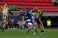 28.06.2006, Ratina, Tampere, Finland..Veikkausliiga 2006 - Finnish League 2006.Tampere United - FC Honka.Ville Lehtinen (TamU) v Lasse Lagerblom (Honka).©Juha Tamminen.....ARK:k