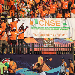 24 June 2019, Egypt, Cairo: Ivory coast's Jonathan Kodjia celebrates with fans after the final whistle of the 2019 Africa Cup of Nations Group D soccer match between South Africa and Ivory coast at Al-Salam Stadium. Photo : PictureAlliance / Icon Sport