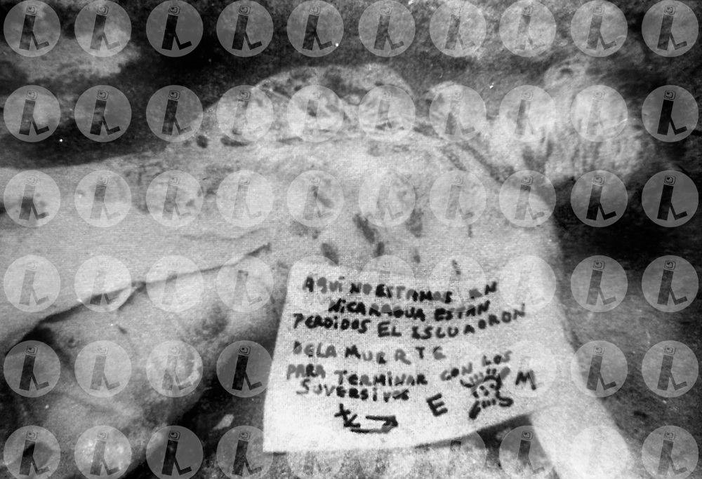 Un cuerpo encontradocon senales de torura por miembros de los escuadrones de la muerte 1979.(IL Photo).