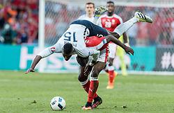 19.06.2016, Stade Pierre Mauroy, Lille, FRA, UEFA Euro, Frankreich, Schweiz vs Frankreich, Gruppe A, im Bild Paul Pogba (FRA), Breel Embolo (SUI) // Paul Pogba (FRA), Breel Embolo (SUI) during Group A match between Switzerland and France of the UEFA EURO 2016 France at the Stade Pierre Mauroy in Lille, France on 2016/06/19. EXPA Pictures © 2016, PhotoCredit: EXPA/ JFK