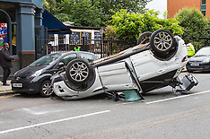 2015-08-25 Range Rover overturns in North London pile-up
