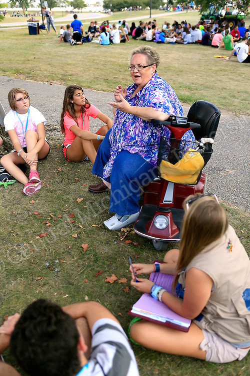 Central Michigan University faculty and staff members were paired with a Leadership Safari team for dinner and group discussion Tuesday at Rose Ponds. the pairing gave the students an opportunity to get to know more about CMU from the staff and faculty perspective, and ask questions and receive input about what is ahead for them this first semester.  Photo by Steve Jessmore/Central Michigan University
