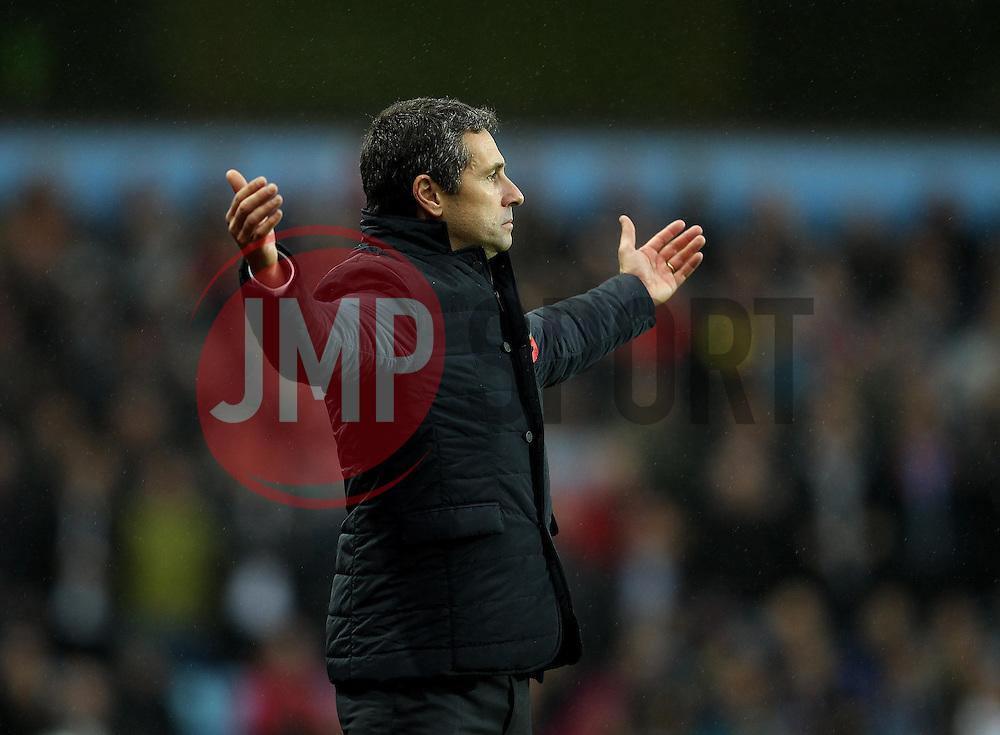 Aston Villa Manager Remi Garde cuts a frustrated figure - Mandatory byline: Robbie Stephenson/JMP - 07966 386802 - 08/11/2015 - FOOTBALL - Villa Park - Birmingham, England - Aston Villa v Manchester City - Barclays Premier League